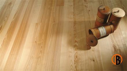 Weiss Massivholzdiele Esche Rustikal gebürstet 2 x geölt natur  20x137x1973 mm